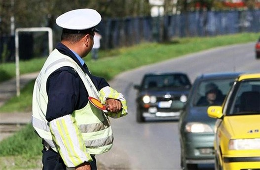 Saobracajni-policajac-saobraćaj