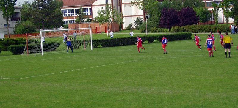 fudbal-ruskoselo-ilustracija